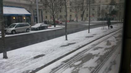 strase-im-winter_wien-walter-pobaschnig