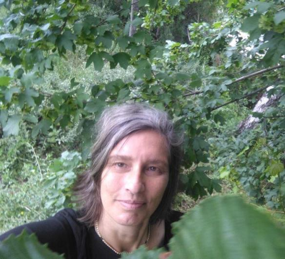 Brigitts Höpler _ Frühling 20 _ unter dem Kastanienbaum (1)